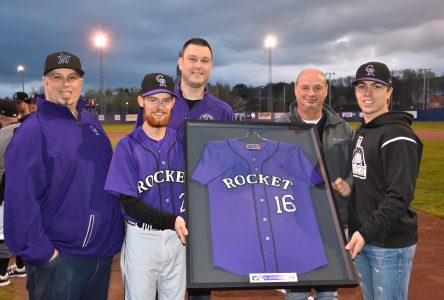 Le Rocket de Coaticook retire le chandail de Karl Gosselin