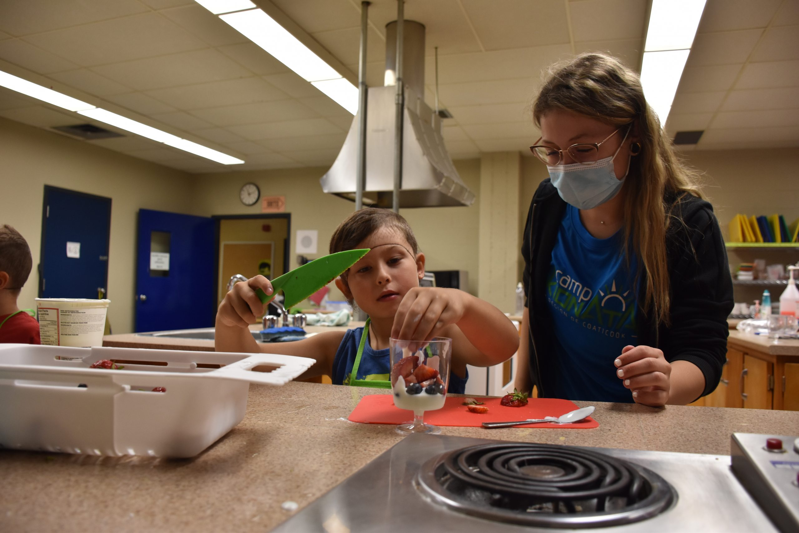 This summer season, younger folks go, create and prepare dinner because of the Camp Kionata of the Coaticook MRC